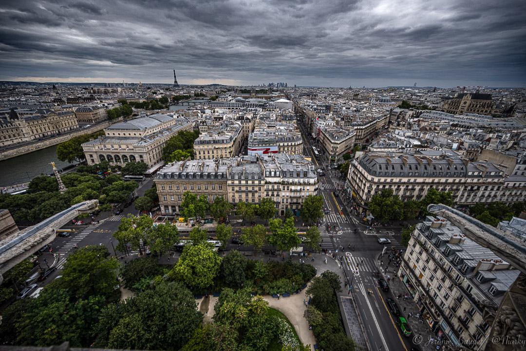 Plonger dans les rues - Avec un peu de hauteur, de lumière et de nuages, la visite de la tour Saint-Jacques toujours magique pour moi.----------With a little height, light and clouds, a visit to the Saint-Jacques tower is always magical for me..With lens: NIKKOR Z 14-30mm f/4 S at 14 mmExposure: ¹⁄₈₀₀ s à ƒ / 4,0Camera: 14 mm - NIKON Z 7.... #4twitter #dmda #dmda_paris #hello_paris #ig_paris #iloveparis #Paris #parismaville #toursaintjacques #nikon #nikonfr #nikonz7 #z7 #agentnikon - from Instagram