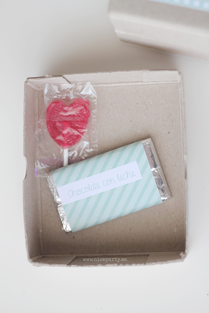 Nice Party regalos empresa navidad cajas recicladas chocolatina piruleta