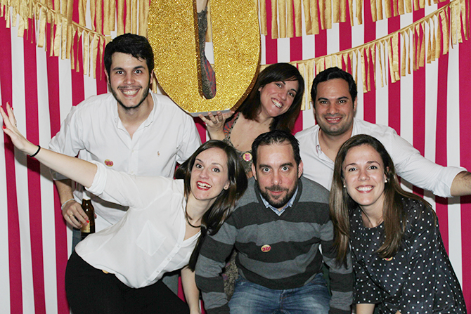 Nice Party photocall 30 cumpleaños dorado