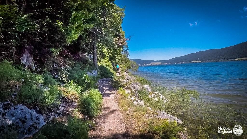 vtt au bord du lac de joux bike camera