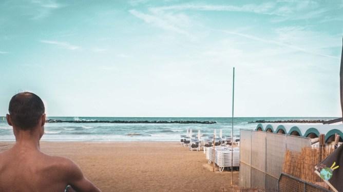 La plage du Lungomare Bike Hotel