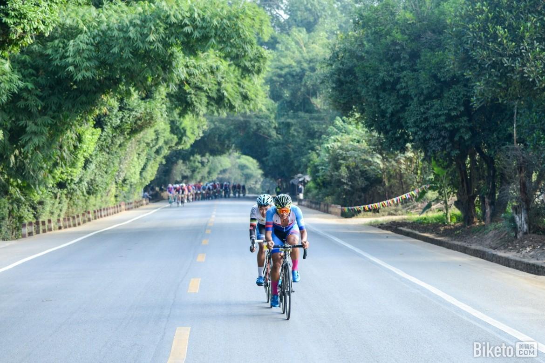 Route fermée sur le granfondo yunnan