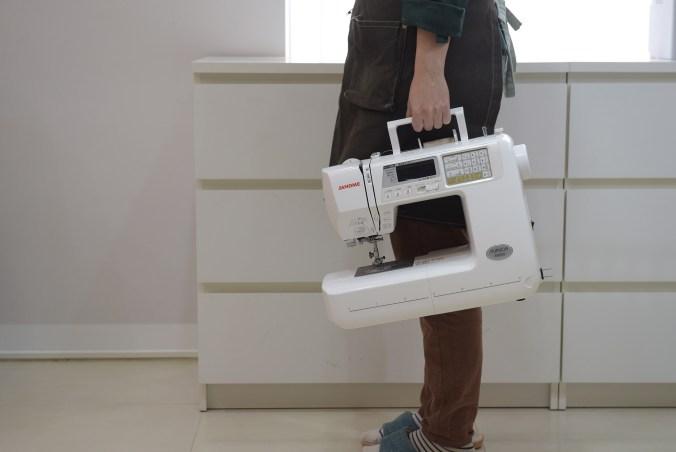 Janome A8000縫紉機-手提好攜帶