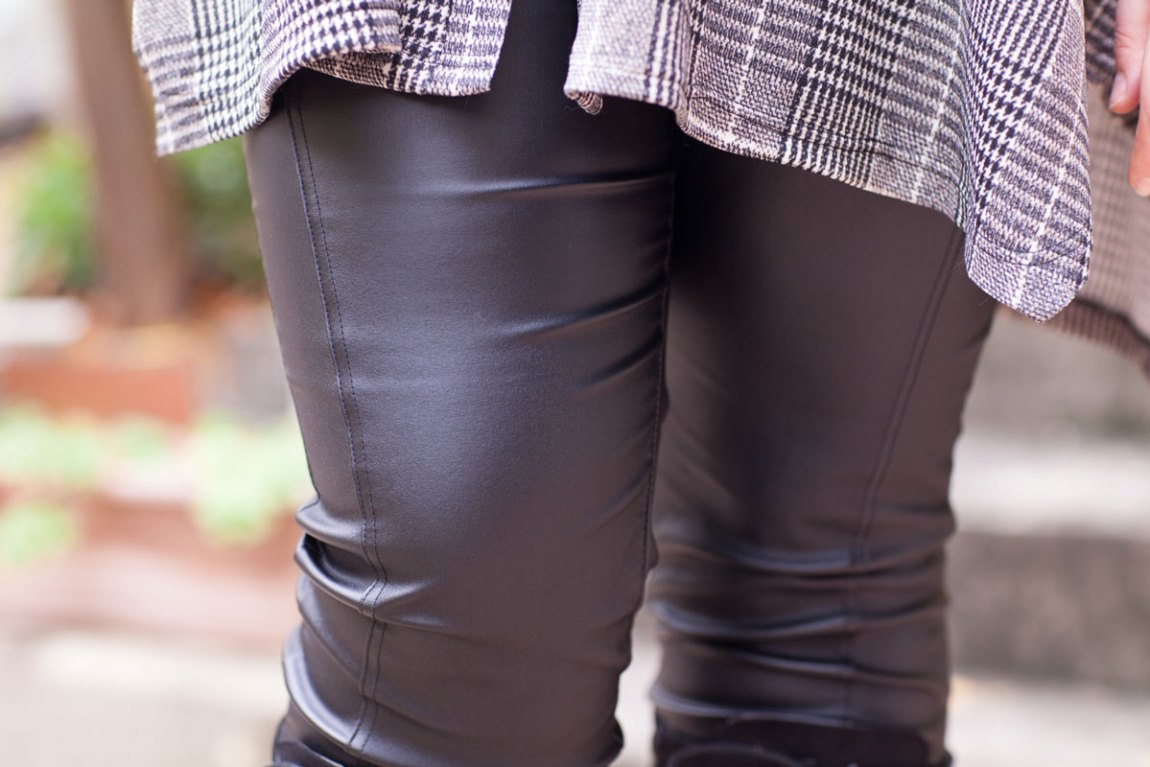 mode, tenue, look, rock, kiabi, grande taille, ronde, curvy, prince de galle, carreaux, simili, cuire, noire, jean enduit, ninaah bulles