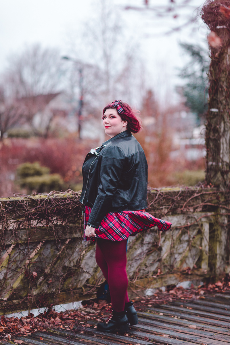 Ninaah bulles, Sabrina, The chilling adventures of Sabrina, shein, plussize, grande taille, mode, witchy, tatan, maquillage