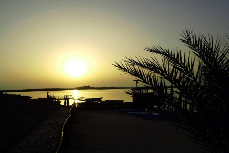 Oman Sonnenuntergang (Knüppe)