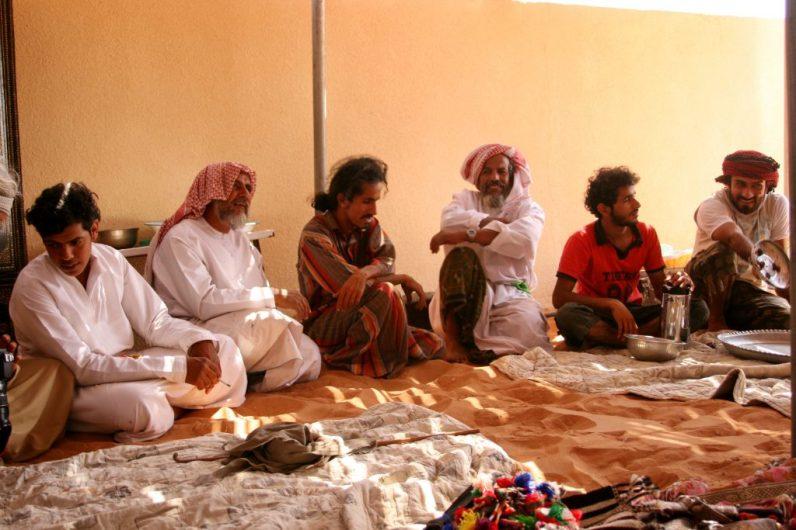 Teetrinken mit der Gruppe