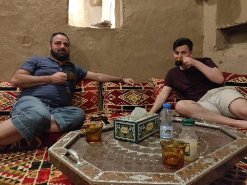Kaffeepause in einem omanischen Haus