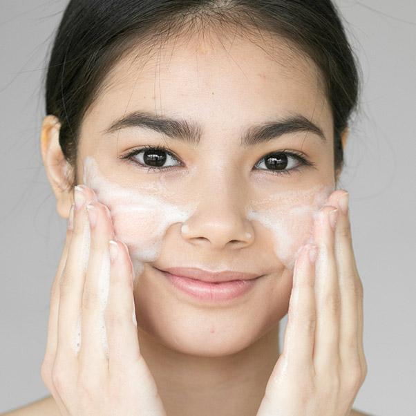 經常去角質肌膚變透亮?粗糙膚觸秒消失?釐清「去角質」迷思,才能讓你膚況好到不科學!