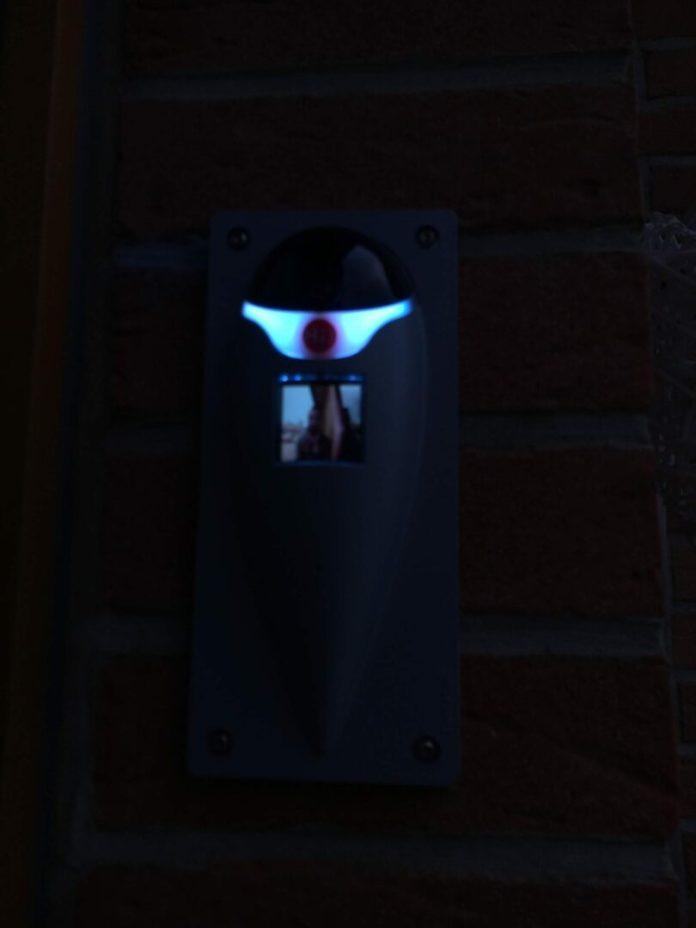 Fenotek-Hi-6730-2-750x1000 Présentation et test de Hi), l'interphone vidéo connecté!