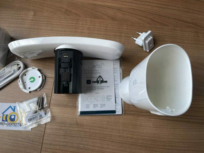 arlo-pro-3-floodlight-camera-0660-scaled Test de la caméra Arlo Pro 3 Floodlight