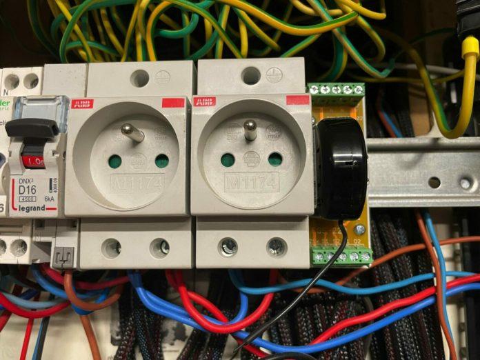 fibaro-fgs-223-0922-scaled FIBARO FGS-224 : Remplacer un télérupteur par un module domotique