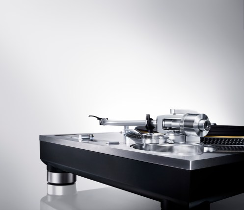 direct-drive-turntable-system-sl-1200gae-1-1