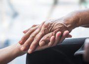 Η έντονη σωματική άσκηση «φρενάρει» την επιδείνωση των συμπτωμάτων της νόσου Πάρκινσον