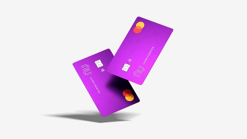 Tarjeta de crédito Nu y su tecnología flotan en el aire y sustituyen a las sucursales bancarias