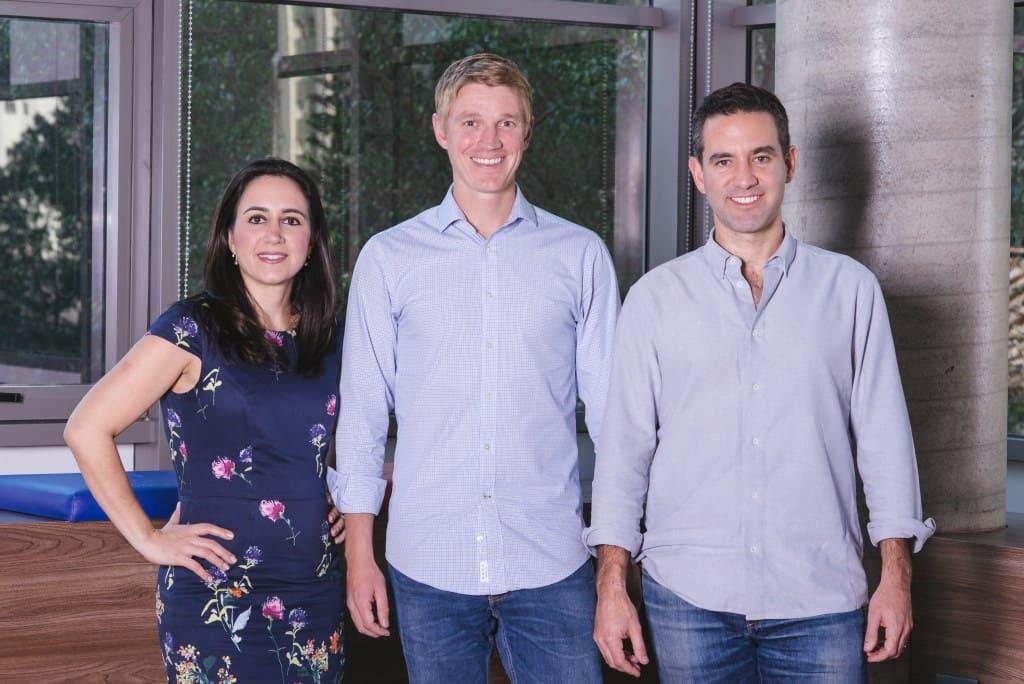 David Vélez junto a Cristina Junqueira y Edward Wible, cofundadores de Nubank.