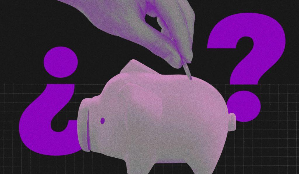 Planejamento financeiro pessoal: ilustração com fundo preto mostra um cofre de porquinho roxo e uma mão colocando uma moeda dentro