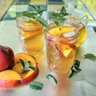 Chamomile Nectarine Lemonade