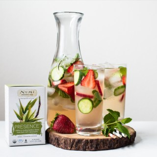 Strawberry, Cucumber & Mint Iced Tea Cooler