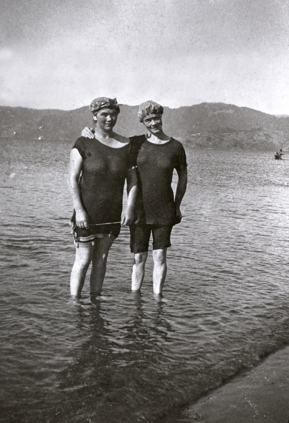 Eva and Ina Drummond at Petone Beach, c1918. Photograph by Charles Adshead. Collection of Petone Settlers Museum.