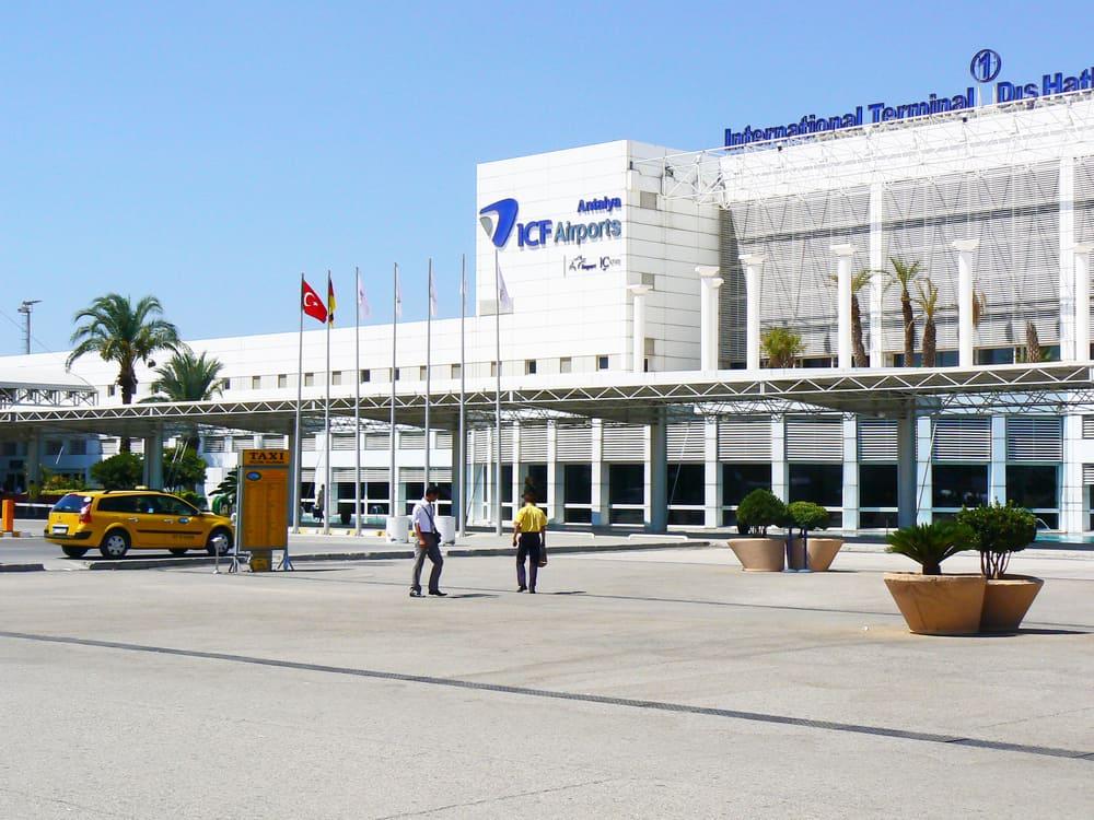 Antalya havalimanında yer alan tramvay hattı ile ilgili görsel sonucu