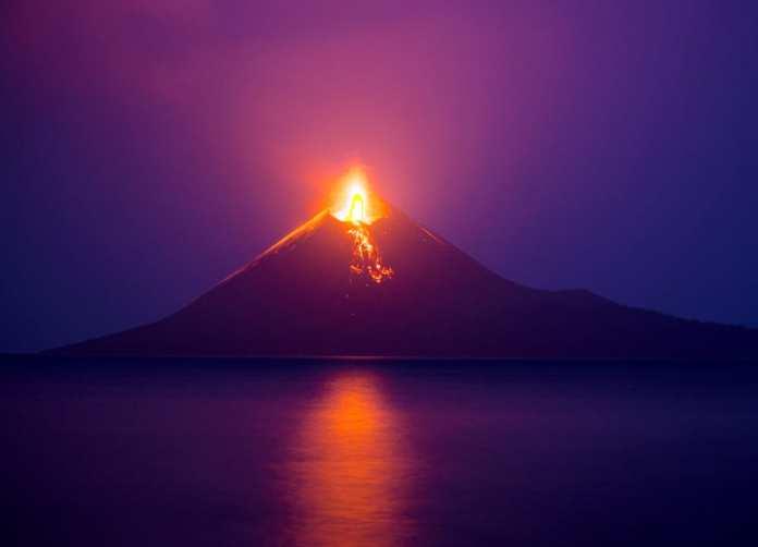 Krakatoa Yanardağı