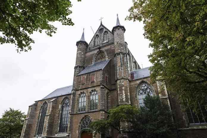 Aziz Peter Kilisesi Leiden
