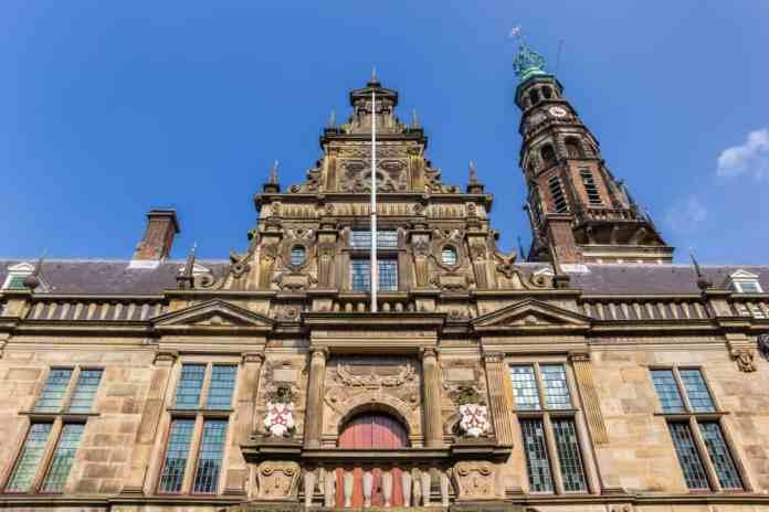 Leiden Üniversitesi