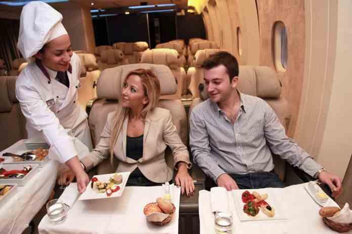 Uçak Yolculuğu Yemek