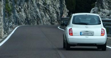 Los españoles están interesados en coches de segunda mano baratos y blancos