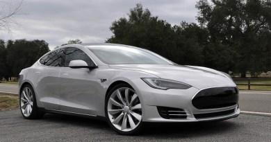 Un Tesla Model S ha protagonizado el primer accidente con el modo autónomo activado