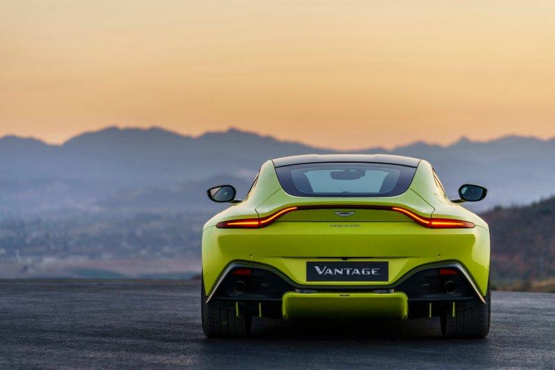 El Aston Martin Vantage es el coche de los sueños para las mujeres