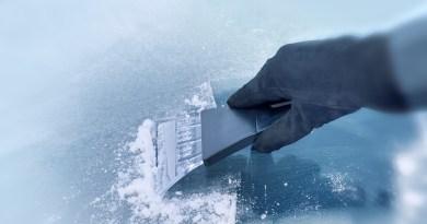 Errores que no hay que cometer al quitar hielo del parabrisas