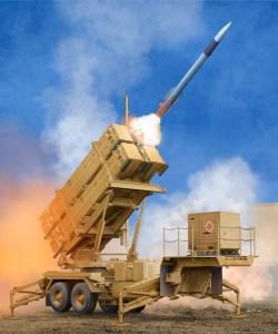 Estación de lanzamiento US M901 con sistema MIM-104F Patriot SAM (PAC-3). Escala 1:35. Marca Trumpeter. Ref: 01040.