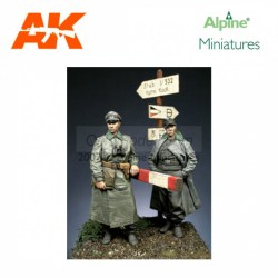 WWII German Officer Set (2 figs). Escala 1:35. Marca Alpine MIniatures. Ref: 35056.