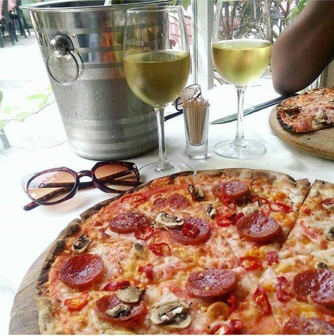 la-taverna-milano-pizza