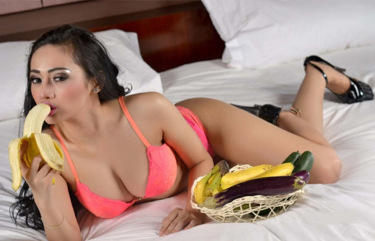 Indonesia-model-Nheyla-Putri-sexy-www.ohfree.net-045 Indonesia model Nheyla Putri sexy photos in Magazine