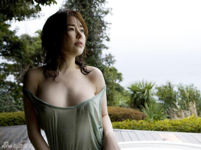 Former-AV-idol-Haruka-Nanami-by-ohfree.net-01 Japanese actress, a former AV idol Haruka Nanami 名波 はるか nude sexy