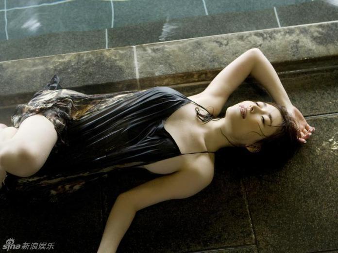 Former-AV-idol-Haruka-Nanami-by-ohfree.net-06 Japanese actress, a former AV idol Haruka Nanami 名波 はるか nude sexy