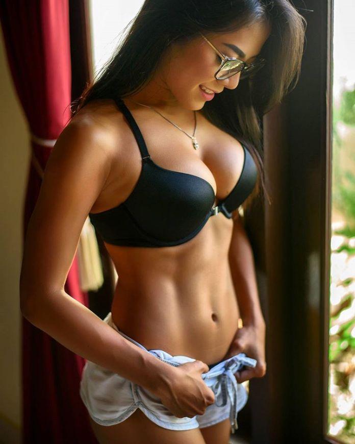 Indonesian-model-Bella-Chan-by-ohfree.net-35 Indonesian model Bella Chan nude sexy photos leaked
