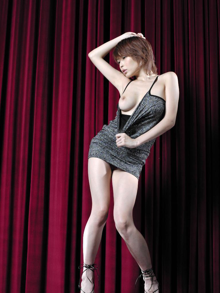 Former-AV-idol-Nana-Natsume-nude-010-by-ohfree.net_ Japanese film actress, former AV idol Nana Natsume nude sexy leaked