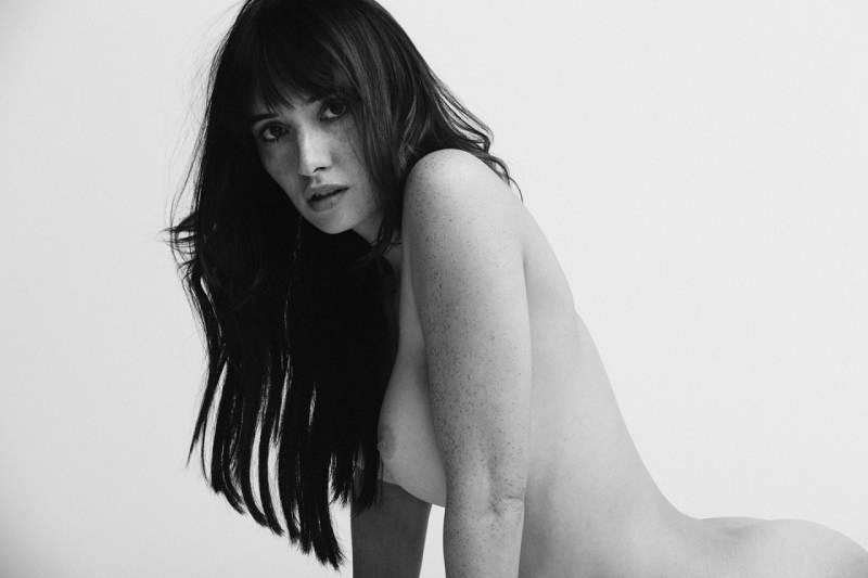 Sara-Malakul-Lane-leaked-nude-sexy-024-by-ohfree.net_ Guam-born English-Thai actress and model Sara Malakul Lane leaked