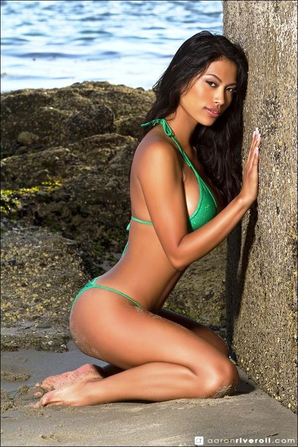 Sherri-Tiara-Lansang-nude-019-by-ohfree.net_ Filipina glamor model Sherri Tiara Lansang nude sexy photos leaked