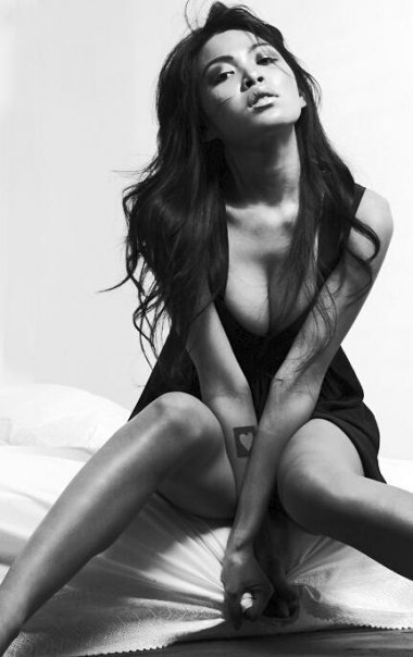 Mariqueen-Maandig-leaked-nude-sexy-003-by-ohfree.net_ Filipino American musician Mariqueen Maandig leaked nude sexy photos