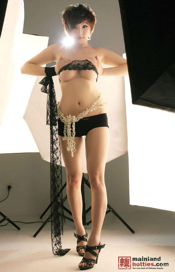 Chinese-Big-tits-model-Yi-Yi-www.sexvcl.net-004 Chinese Big tits model Yi Yi 依依 naked sexy photos