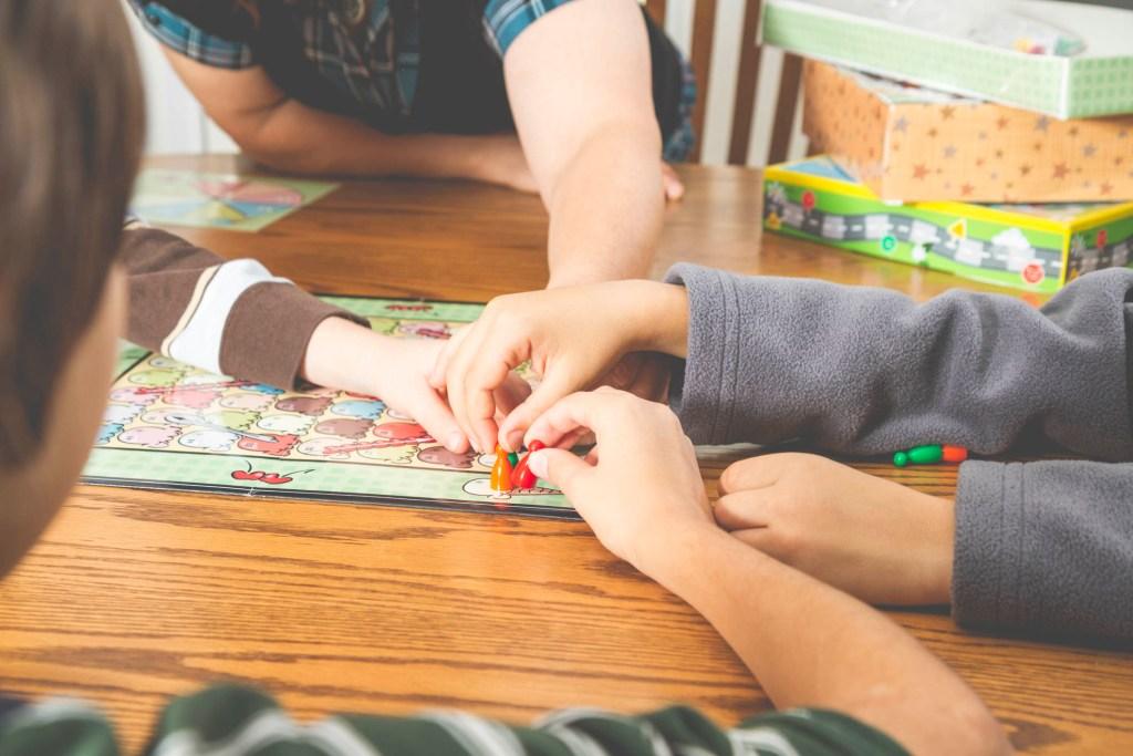 10 jogos de tabuleiro para jogar em família title