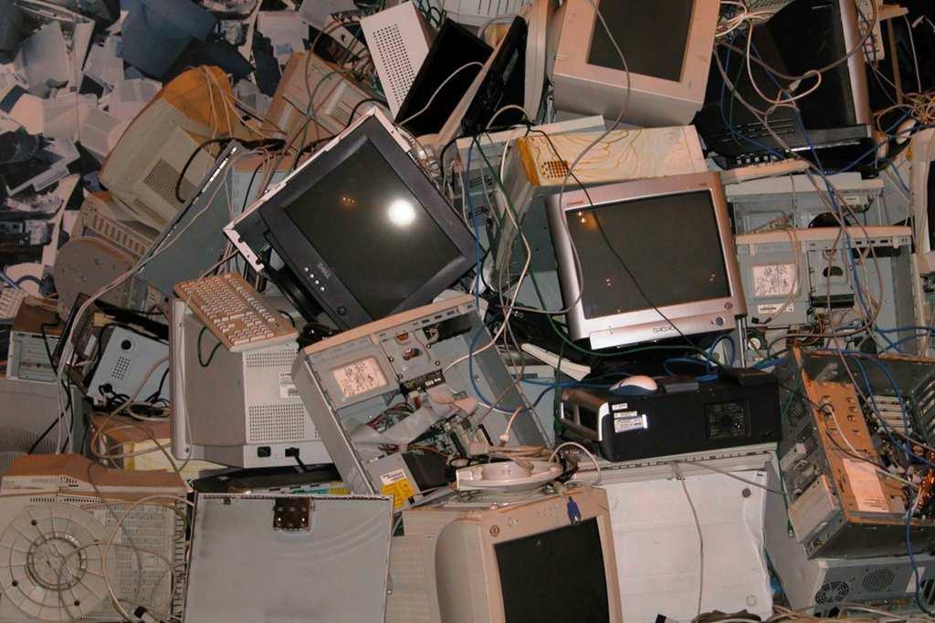 Lixo eletrónico: um problema ambiental do século XXI title