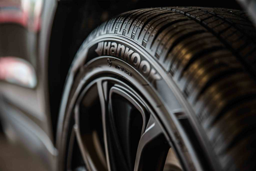 Tudo o que precisas de saber antes de comprar pneus para o teu carro title