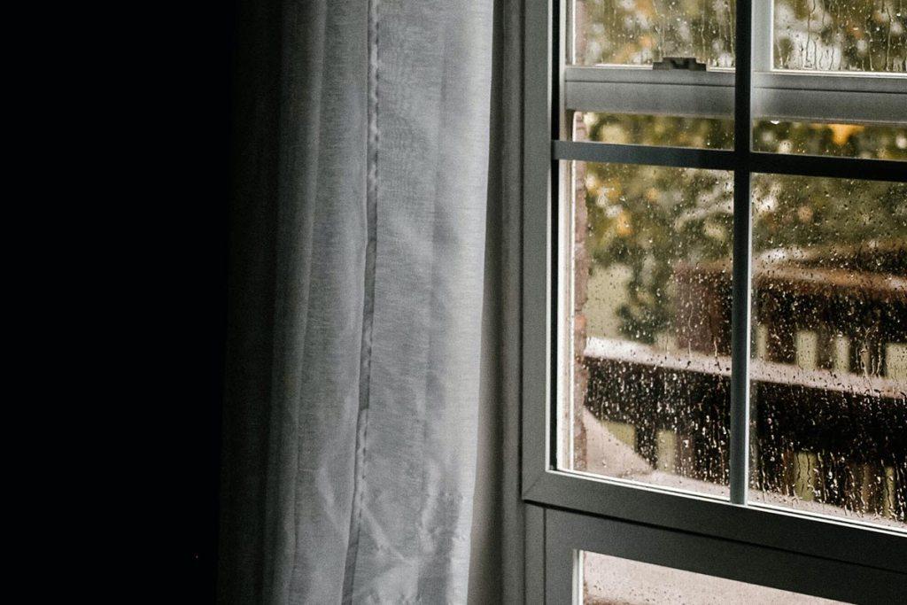 5 dicas para acabar com a humidade em casa title