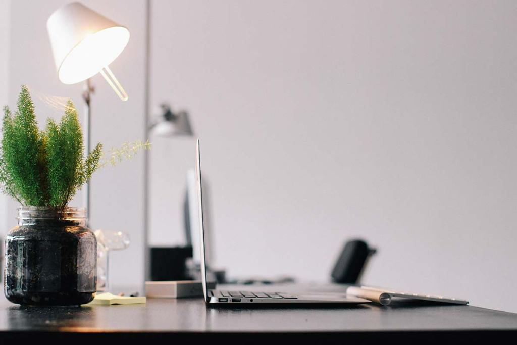 Lâmpada no escritório